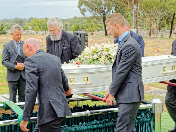 Funeral-40.jpeg