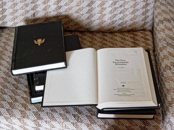 Encyclopaedia-Britannica-3-orig.jpeg