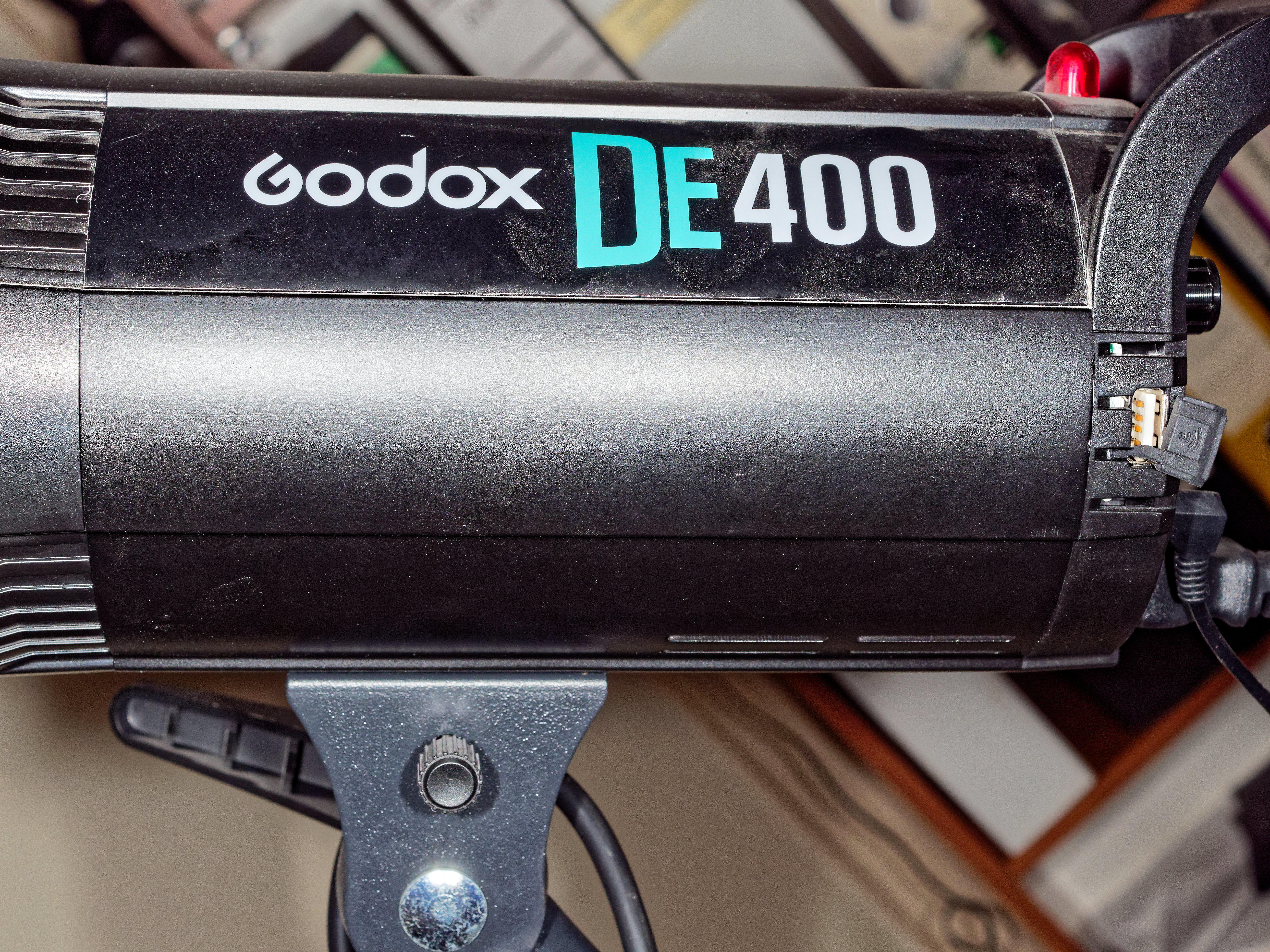This should be Godox-DE400-2.jpeg.  Is it missing?