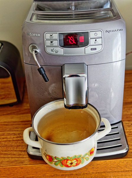 Descaling-coffee-machine-10.jpeg