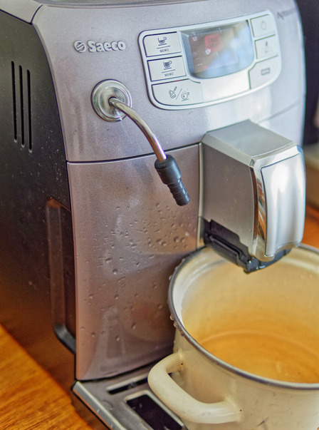 Descaling-coffee-machine-9.jpeg