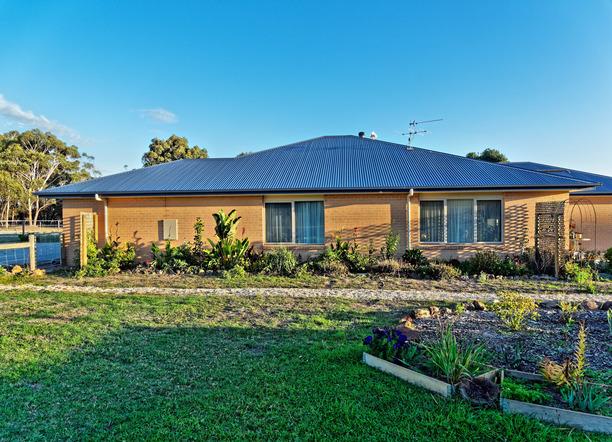 House-roof-1.jpeg