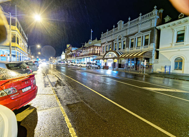 Ballarat-by-night-2.jpeg