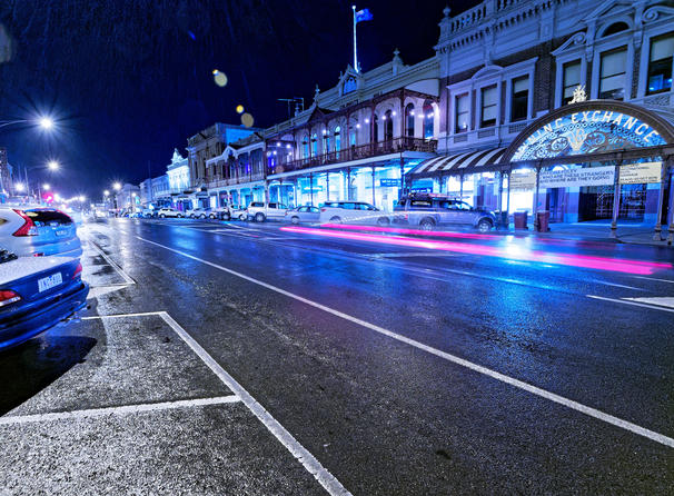 Ballarat-by-night-5-roadWB.jpeg