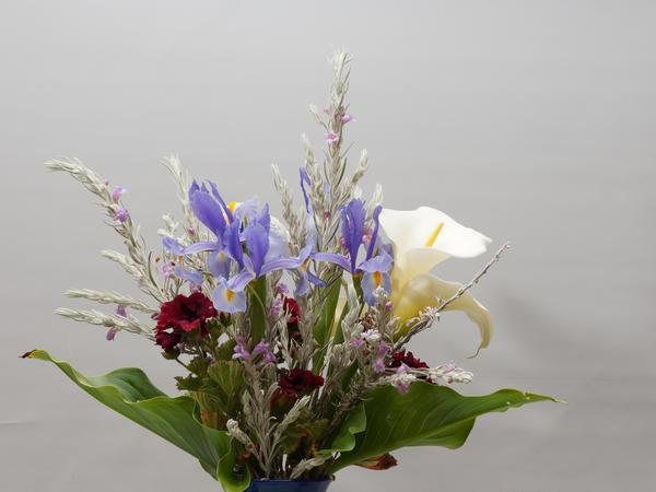 Flower-arrangement-1.jpeg