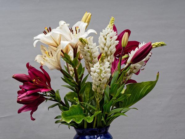 Flower-arrangement-2.jpeg