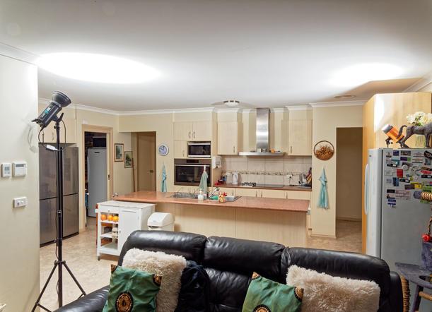 Flash-in-kitchen-2.jpeg