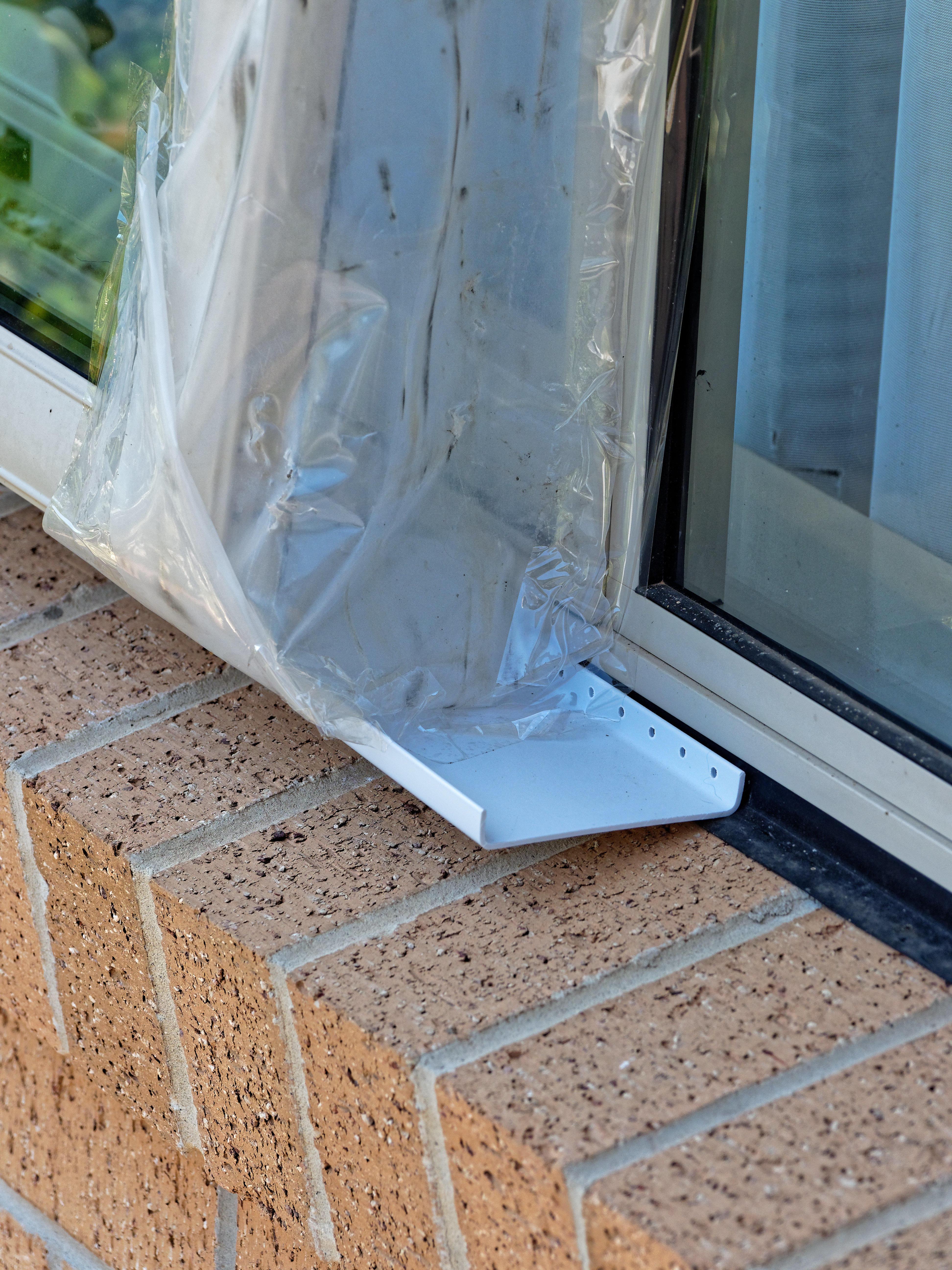 Sealing-windows-5.jpeg