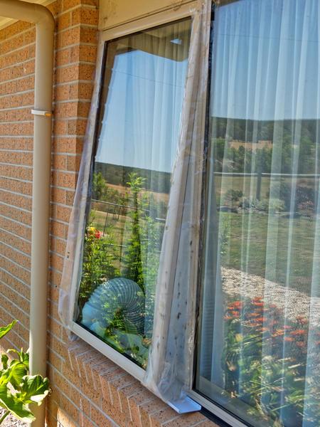 Sealing-windows-4.jpeg