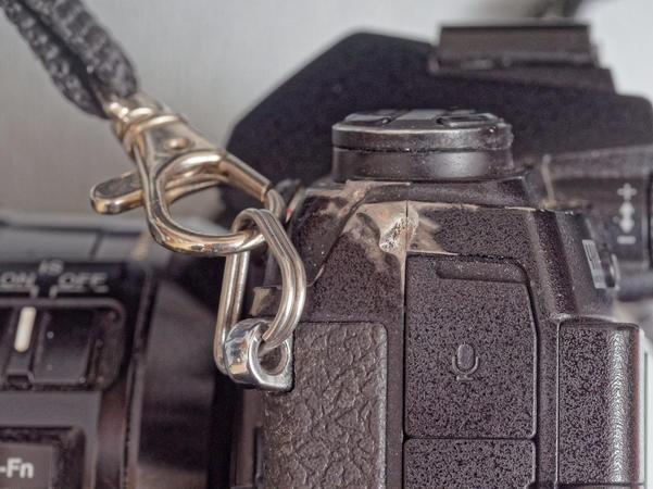Camera-strap-hook-1.jpeg