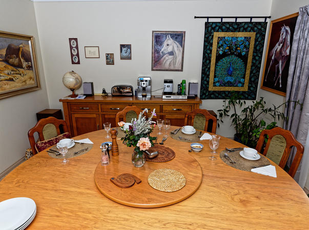 Dining-table-2.jpeg
