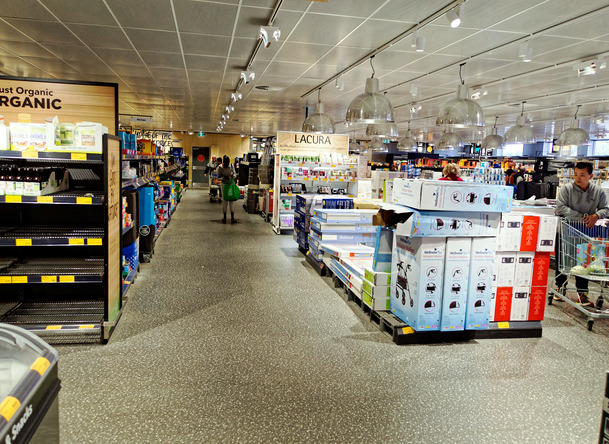 ALDI-shelves-2.jpeg