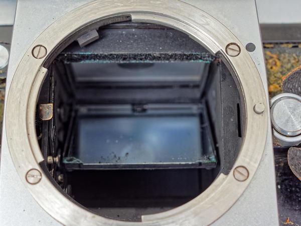 Nikon-F-mirror-housing-1.jpeg