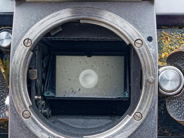 Nikon-F-mirror-housing-8.jpeg