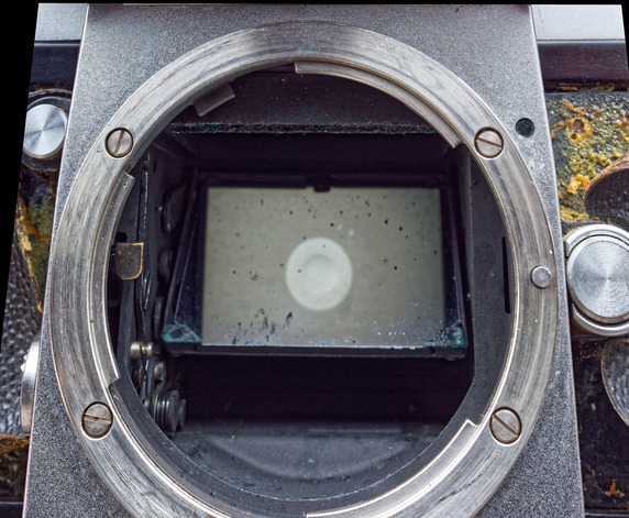 Nikon-F-mirror-housing-remapped-1.jpeg