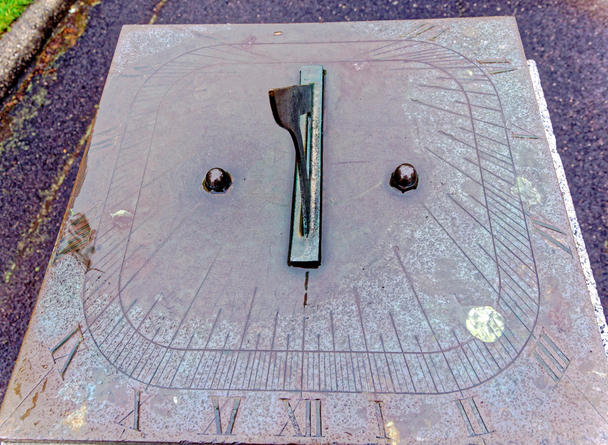 Sundial-4.jpeg