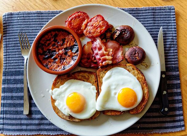 Bacon-and-eggs-3.jpeg