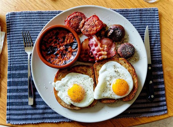 Bacon-and-eggs-4.jpeg