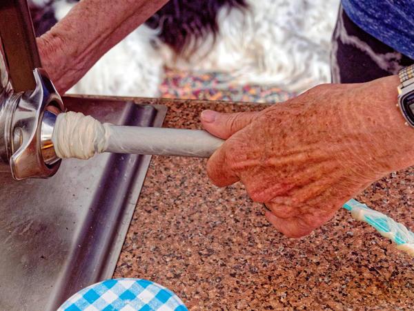 Making-sausages-12.jpeg