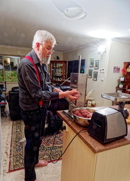 Making-sausages-15.jpeg