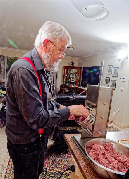 Making-sausages-18.jpeg