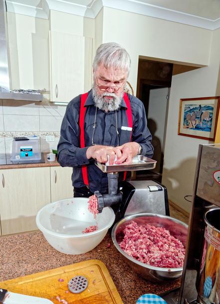 Making-sausages-23.jpeg