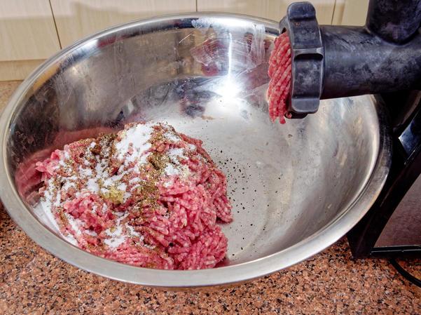 Making-sausages-5.jpeg